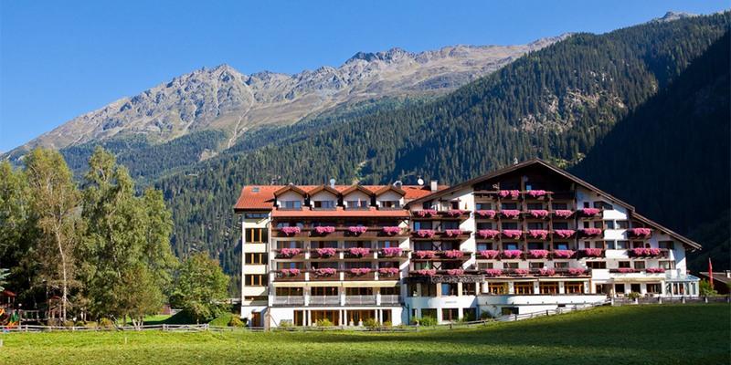 Hotel Weissseespitze im Sommer