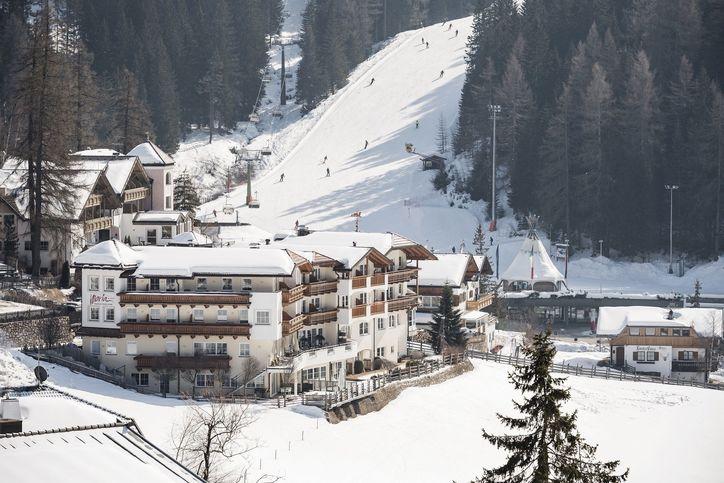 5-_hotelansicht_winter_verkleinert_fuer_tic_web.jpg