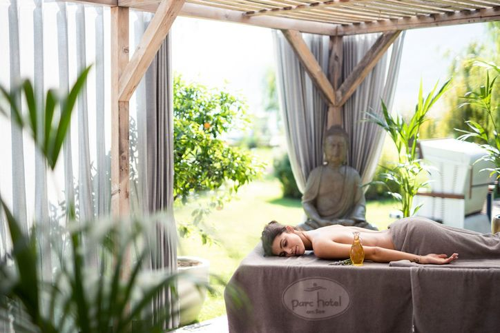 massagen-aussenbereich-web-3048.jpg