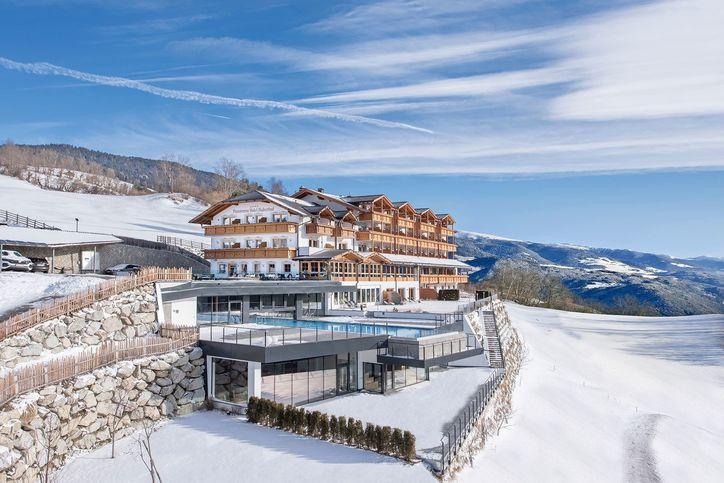 panoramahotel-huberhof-winter-01.jpg