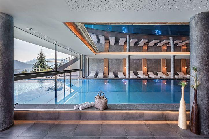 pool-indoor-02.jpg