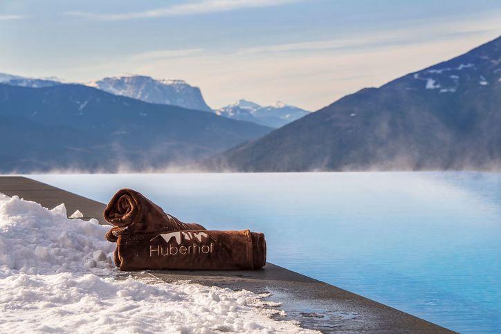pool-winter-01.jpg