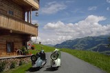 Bauernhof Ruetzen im Brixental zwei Motorroller
