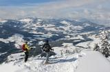 Zwei Freerider vor der Abfahrt ins Brixental